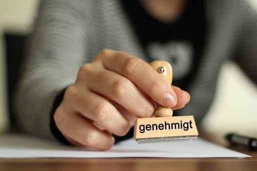 GENEHMIGUNGS-EINREICHUNG